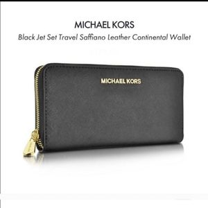 Michael Kors Jet Set Wallet- Black